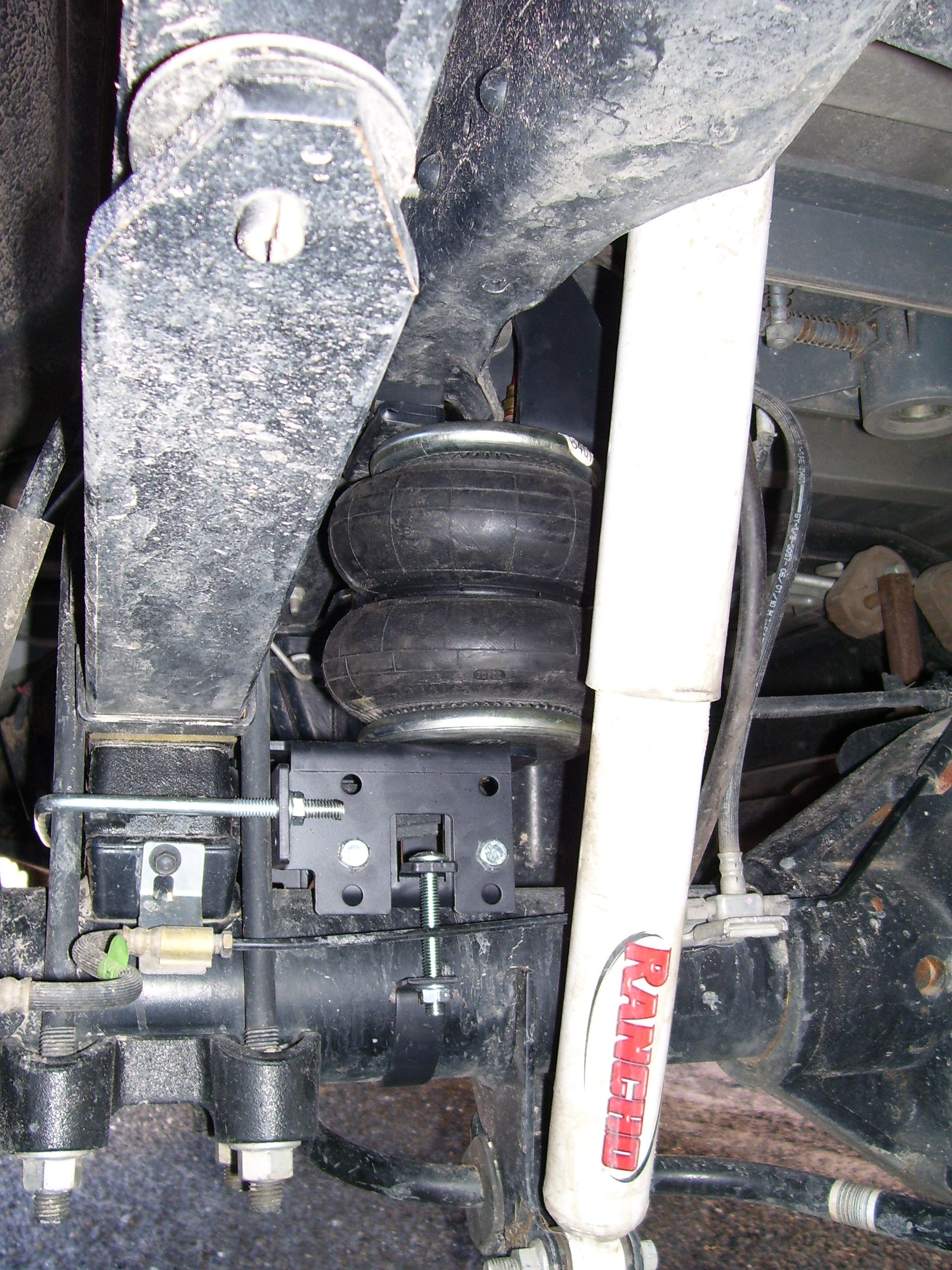 2 Ball Hitch >> Air Bags with B&W Turnover Ball Hitch - Diesel Forum - TheDieselStop.com