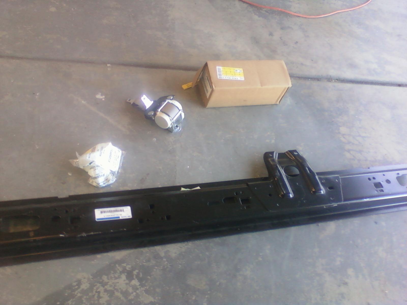 '2011 Seatbelts in a '2002 F350-1223111106.jpg