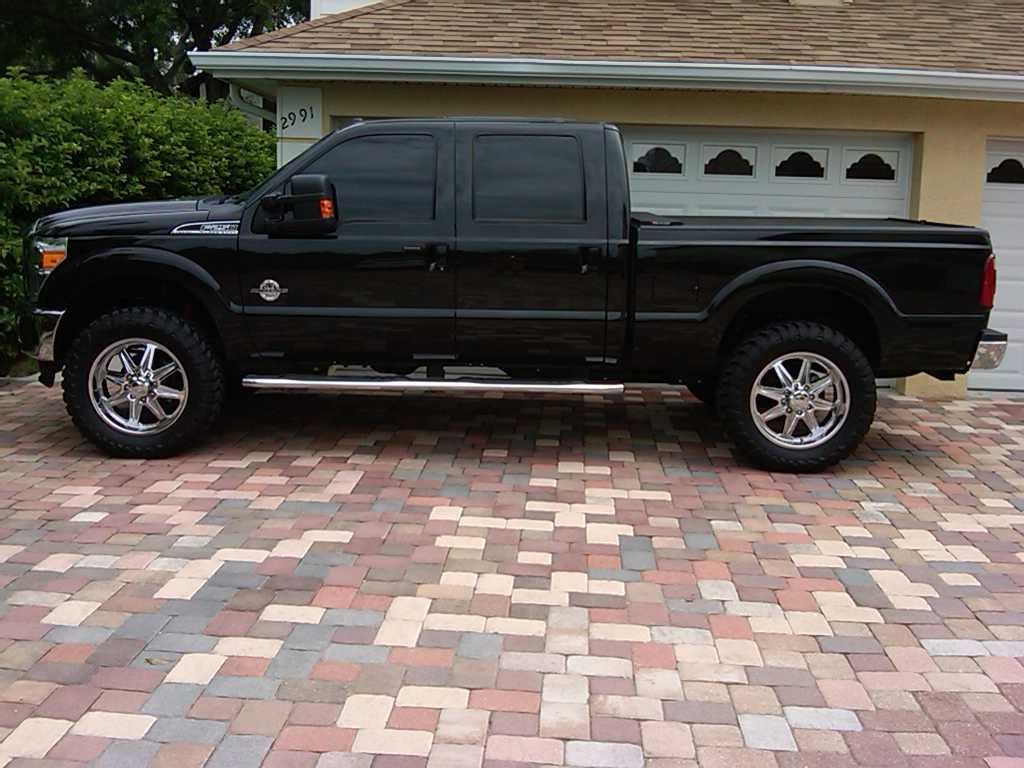 2012 F250 Leveling Kit http://www.thedieselstop.com/forums/f151/37s