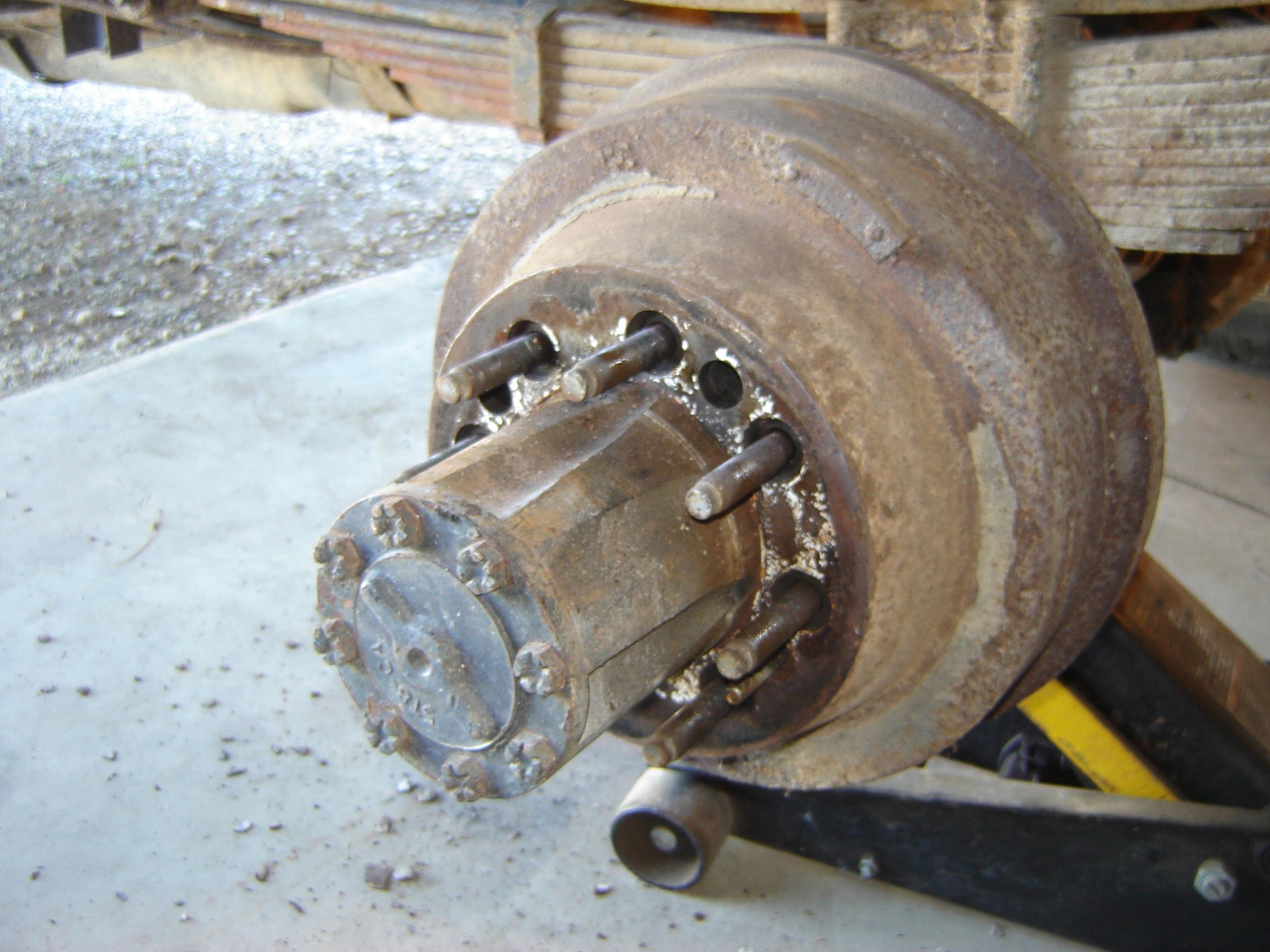 85 dually brake drum removal help-dsc01798.jpg