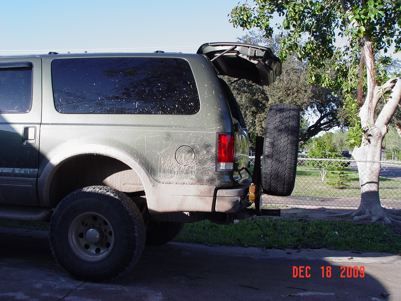 Ford excursion swinging spare tire carrier agree