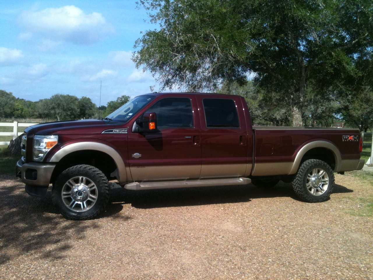 F350 King Ranch >> 2011 F350 Tires & Leveling Kit Before & After - Diesel Forum - TheDieselStop.com