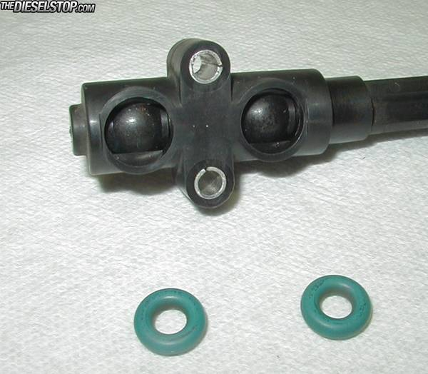 Fix your fuel leak from filter drain valve-o-rings_removed_-_valve_in_closed_position.jpg