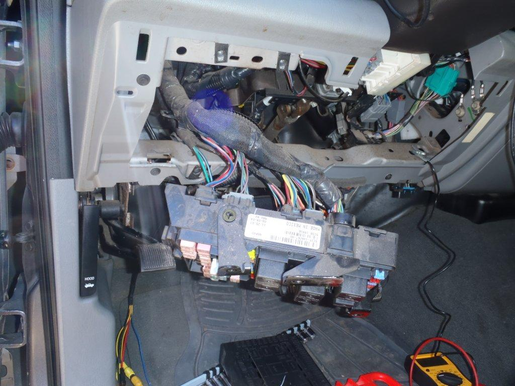 color of reverse wire behind dash-p2250079.jpg