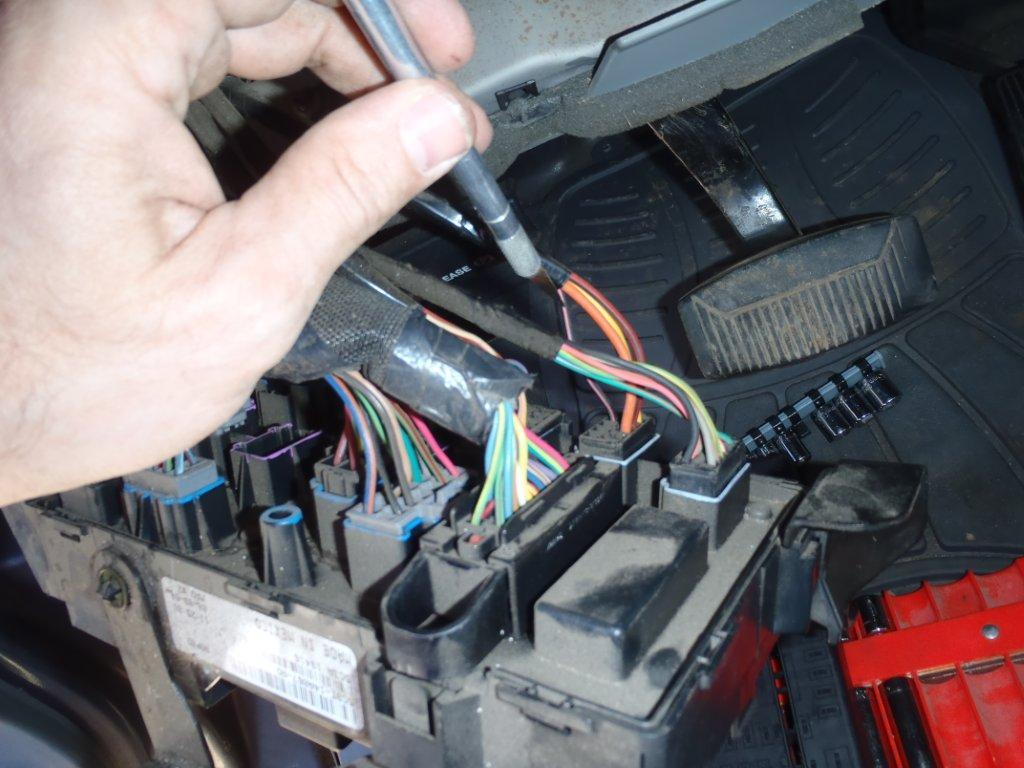 color of reverse wire behind dash-p2250080.jpg