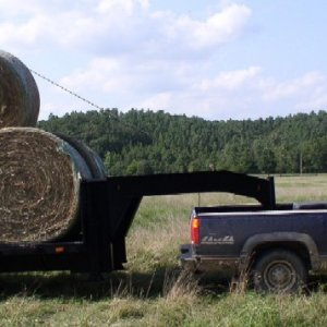 K-2500 with Hay (hitch view)