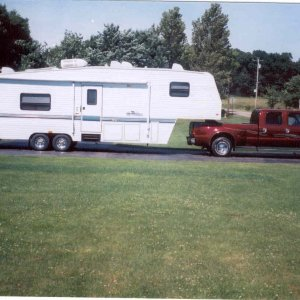 right side view with 5th wheel