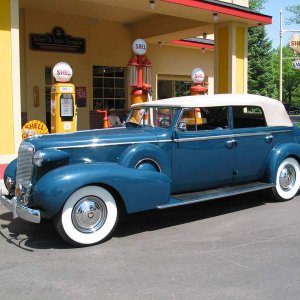 1937 Cadillac Series 75 Convertible Sedan