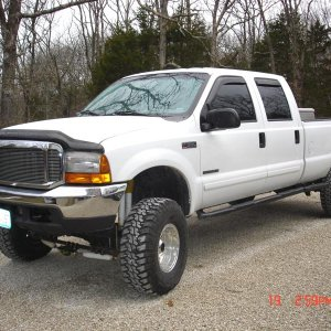 2001 F-350 with 6 inch superlift and 35s