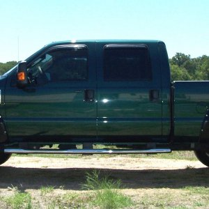 "2009 F-250 SuperDuty w/2.5""front lift and 2"" rear add-a-leaf"